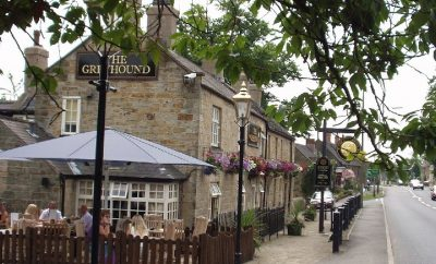 Pubs And Restaurants Within Walking Distance